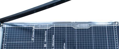 Mühlen-Säge-GL-310-Profesyonel-Sürgülü-Giyotin-Kağıt-Kesme-Makinesi-1-koruma-kalkanı